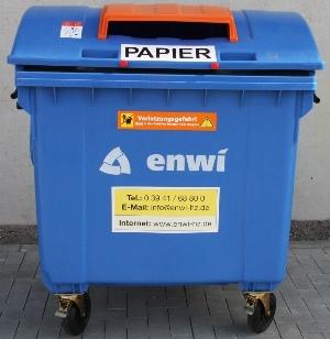 Bild: 1.100 Liter Altpapiercontainer